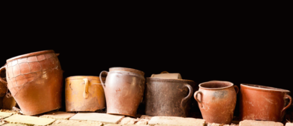 https://tours4tips.com/wp-content/uploads/2016/10/pottery-600x258.png