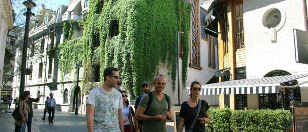 https://tours4tips.com/wp-content/uploads/2018/11/Lastarria-neighbourhood-walking-tour-santiagpo-600x258.jpg